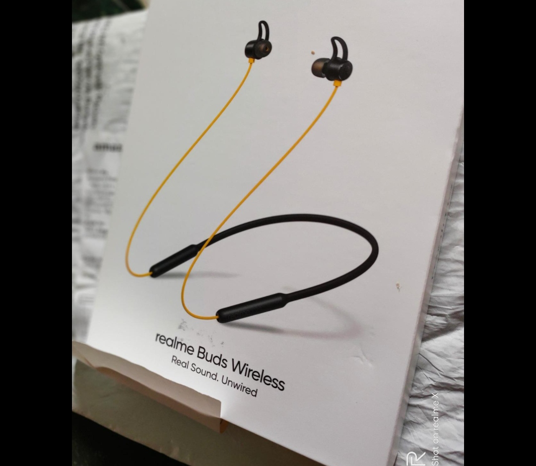 realme Buds Wireless in-Ear Bluetooth with mic (Yellow)